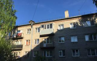 Остекление балконов с крышей в хрущевке