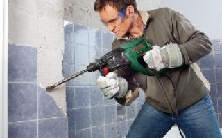Как класть плитку на стены?