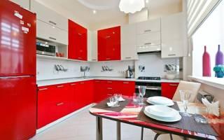 Дизайн кухни в красных тонах фото
