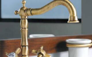 Как выбрать смеситель в ванную с душем?
