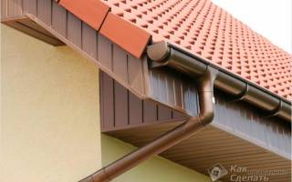 Как закрепить водосток на крыше своими руками